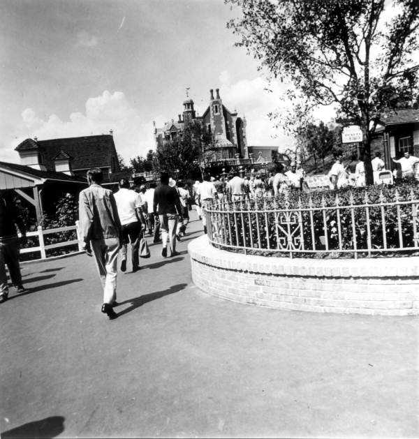 The dream becomes a reality. Magic Kingdom opens in 1971.