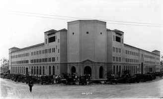 The University of Miami was founded in 1925 with classes beginning in October 1926.