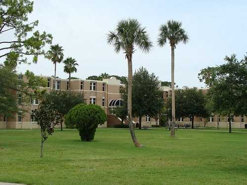 Embry-Riddle students come from all 50 states and 121 nations with more than 33,000 full-time enrolled students at its two residential campuses in Daytona Beach and Prescott, Ariz. and at its Worldwide Campus.