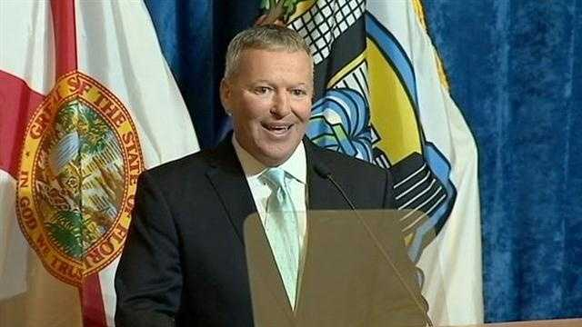 Orlando Mayor Buddy Dyer says he will not run for governor in 2014.