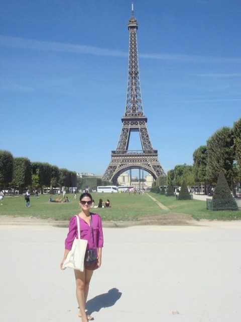 In college, Aixa minored in French. More than 10 years later, she finally visited Paris!