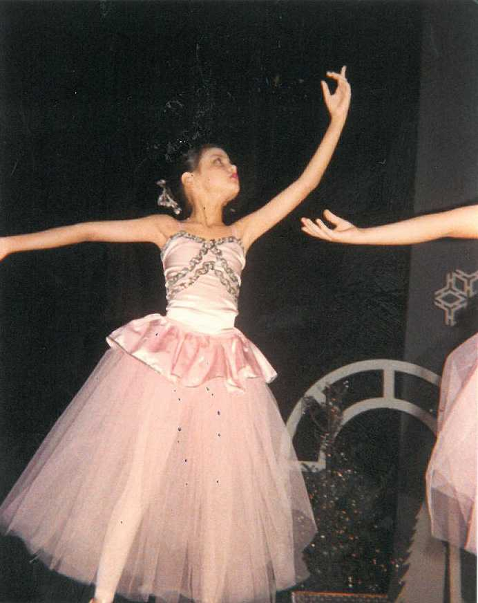 A young Aixa showed promise as a graceful ballerina ...