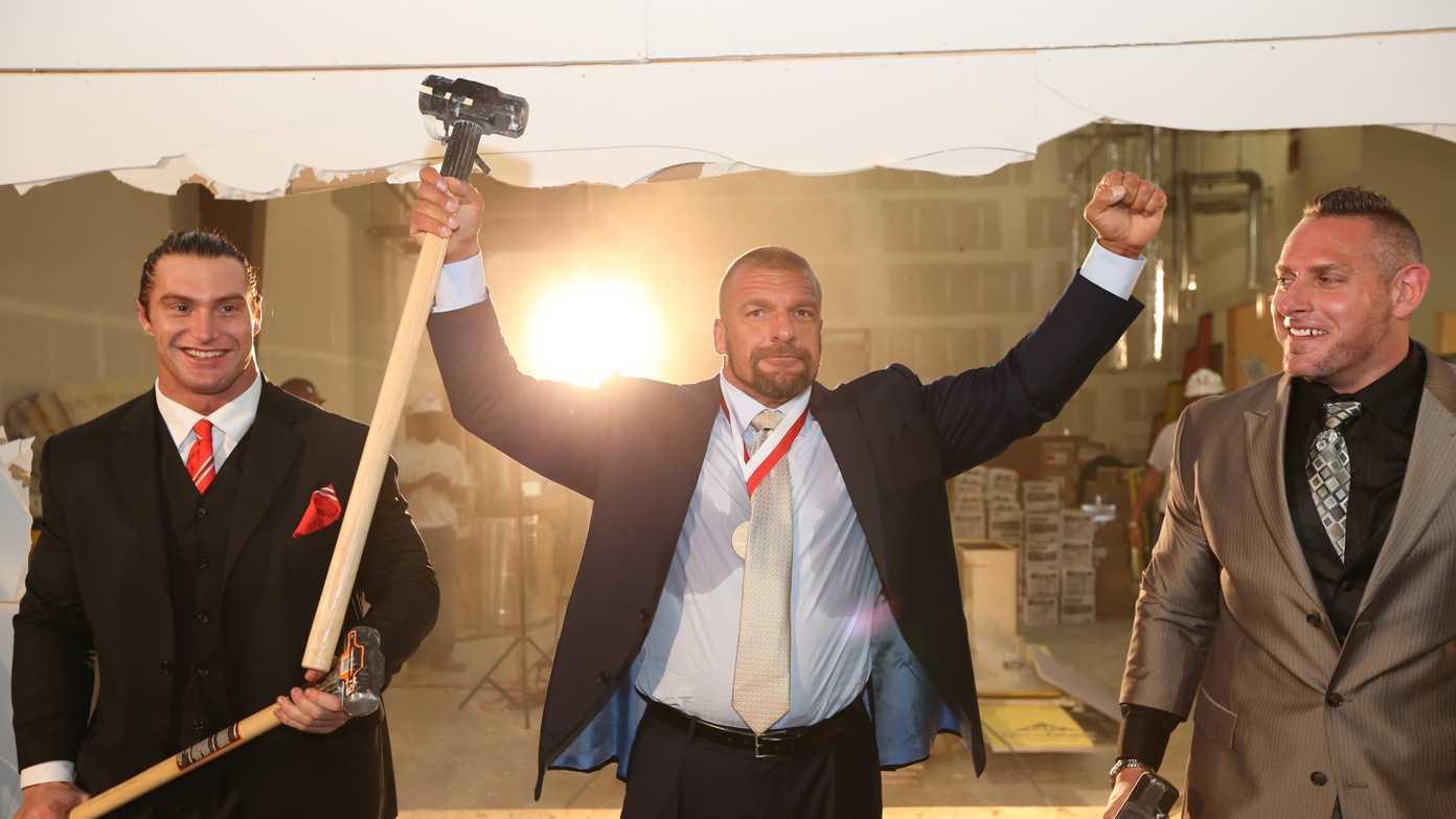 WWE Groundbreaking photo3.jpg