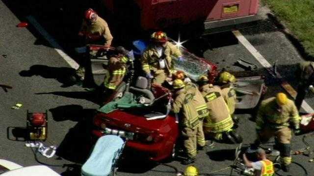Zellwood bus crash 4.jpg