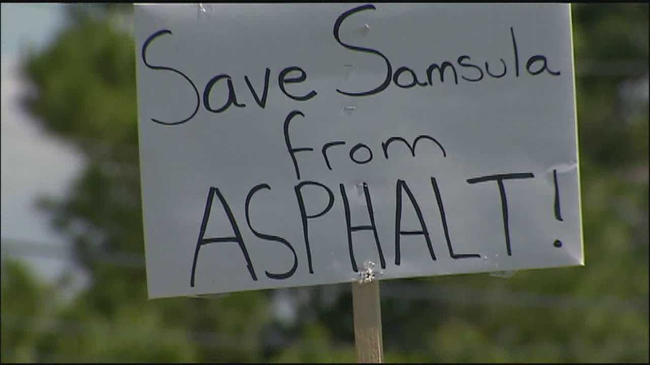 Some Samsula residents are upset over a proposed plant to make asphalt in their town.