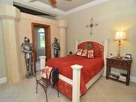 Second bedroom suite.