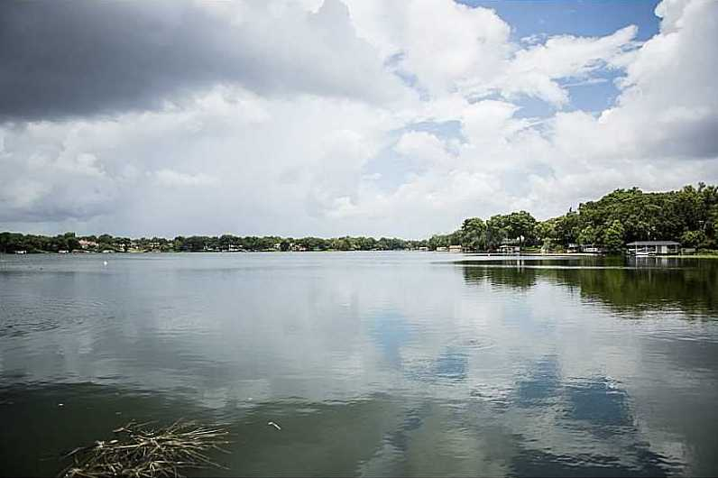 It is also a unique property because it is situated on Lake Osceola and part of the Winter Park Chain of Lakes as well.