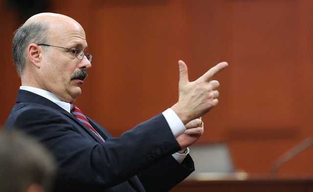 """5. Expert witness paid $400 per hour ($2,400 total)State prosecutor Bernie de la Rionda pointed out on cross-examination that Di Maio was being paid by Zimmerman's defense. Di Maio said he was paid $400 an hour and had been paid $2,400 so far. He added, """"It's not a complicated case forensically."""""""