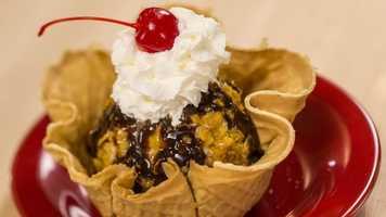 Crispy-coated ice cream sundae
