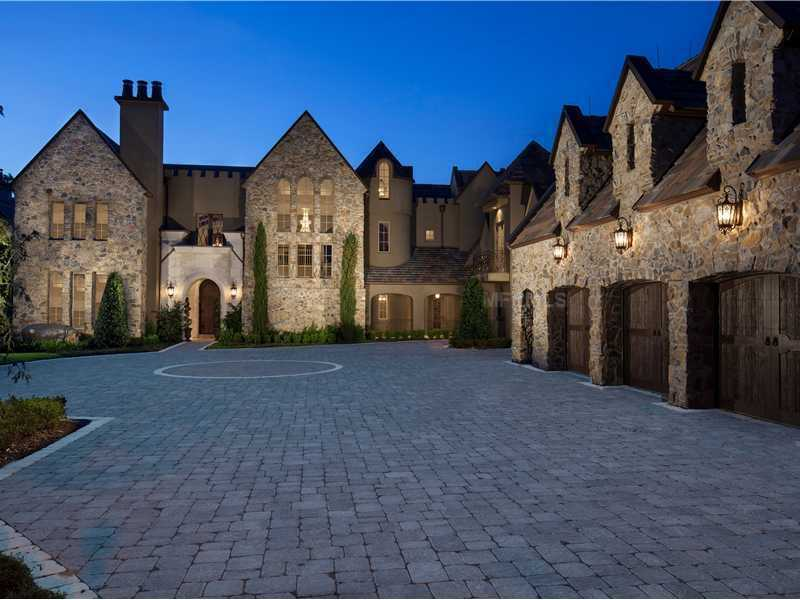 Peak inside this 16,000 square foot mansion in Windermere, which is featured on Realtor.com. From its castle-like exterior to its modern interior, it offers privacy, great amenities and views.