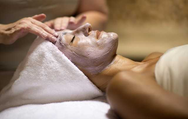 The spa features to 10 treatment rooms that offer a number of therapeutic services.