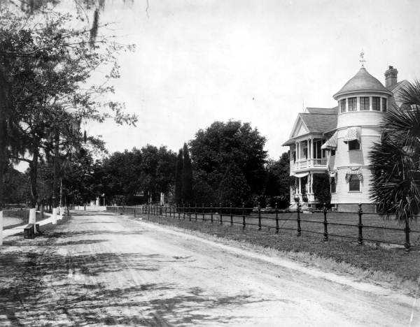 Dr. Philip Phillips purchased the Peckham House that was built in 1893 as a wedding present for his daughter. The family moved in to the home in 1912 after extensive renovations. This picture was taken in 1904.