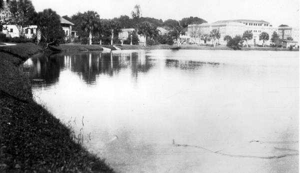 Lake Eola Park was informally established in 1888, and declared a park in 1892. The original fountain was installed in 1912 at a cost of $10,000.  This photo was snapped in 1915.