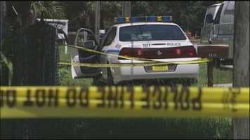 Sarasota police say a mother shot her 1-year-old daughter and then turned the gun on herself.