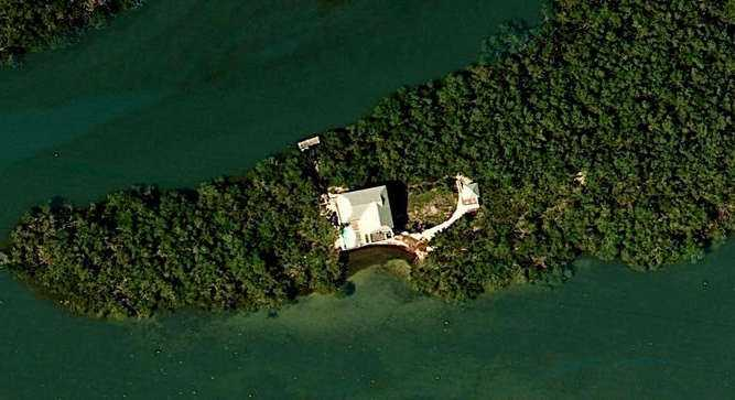 This four-acre island is close to St. James City and within minutes of Sanibel Harbour & Yacht Club.
