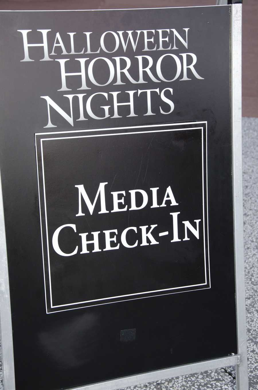 Universal Orlando invited the media to preview party for Halloween Horror Nights 23. The menu included some delightful, yet ghastly sounding desserts.