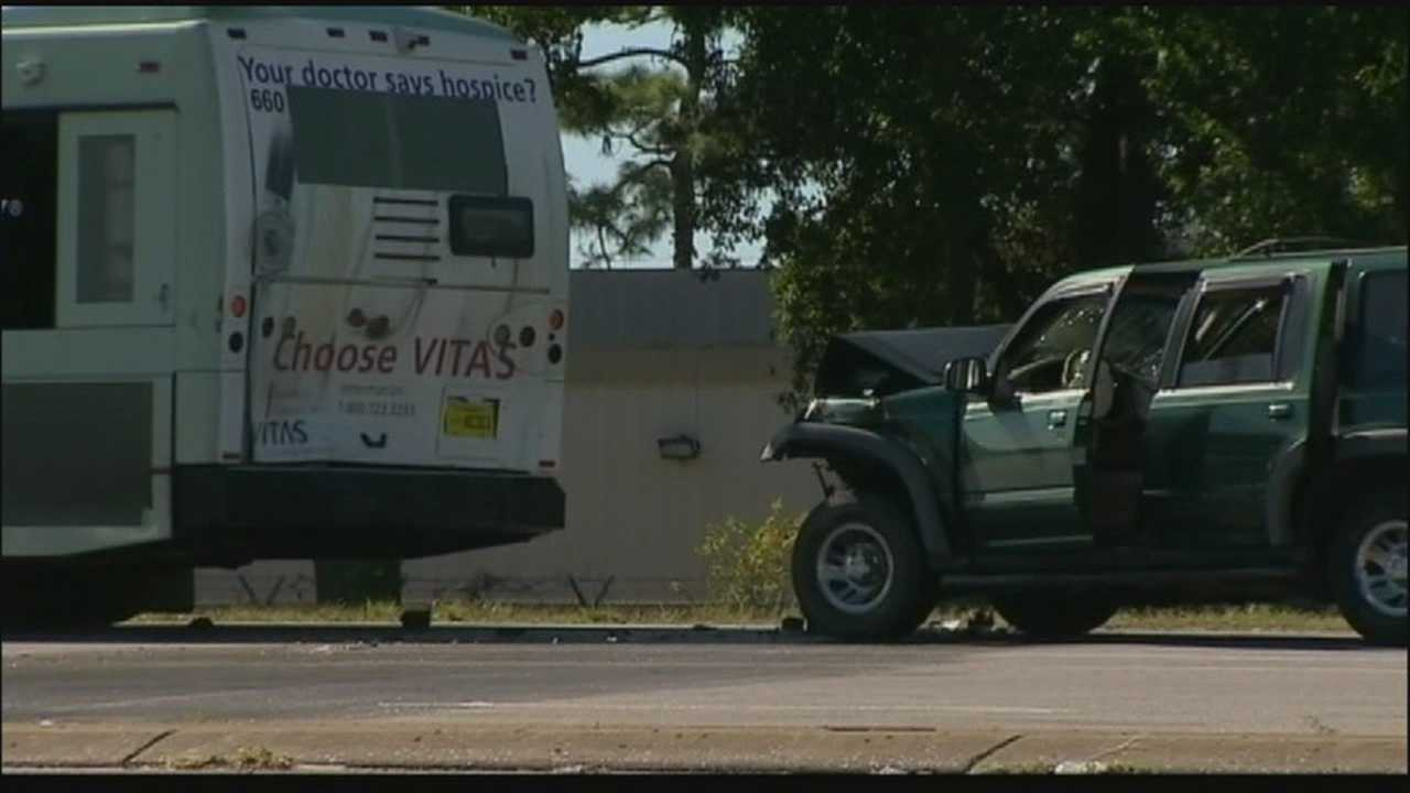 13 injured after Lynx bus, SUV collide