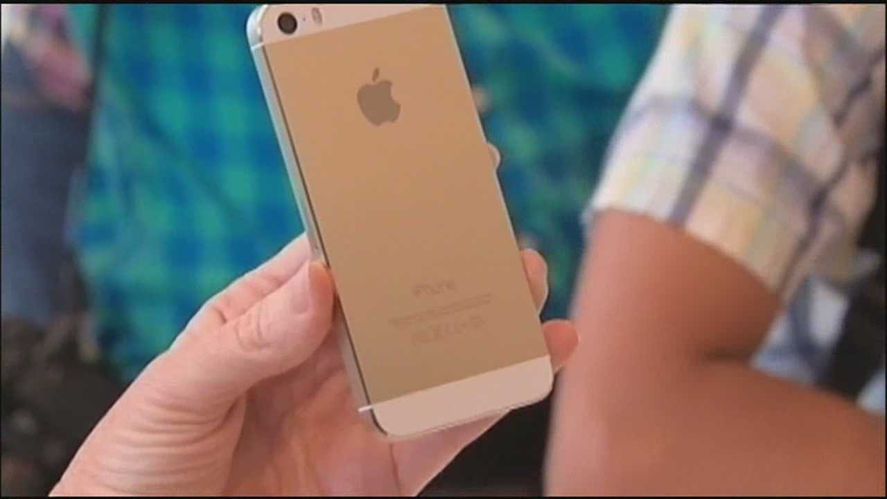 New iPhone causes frenzy at local stores