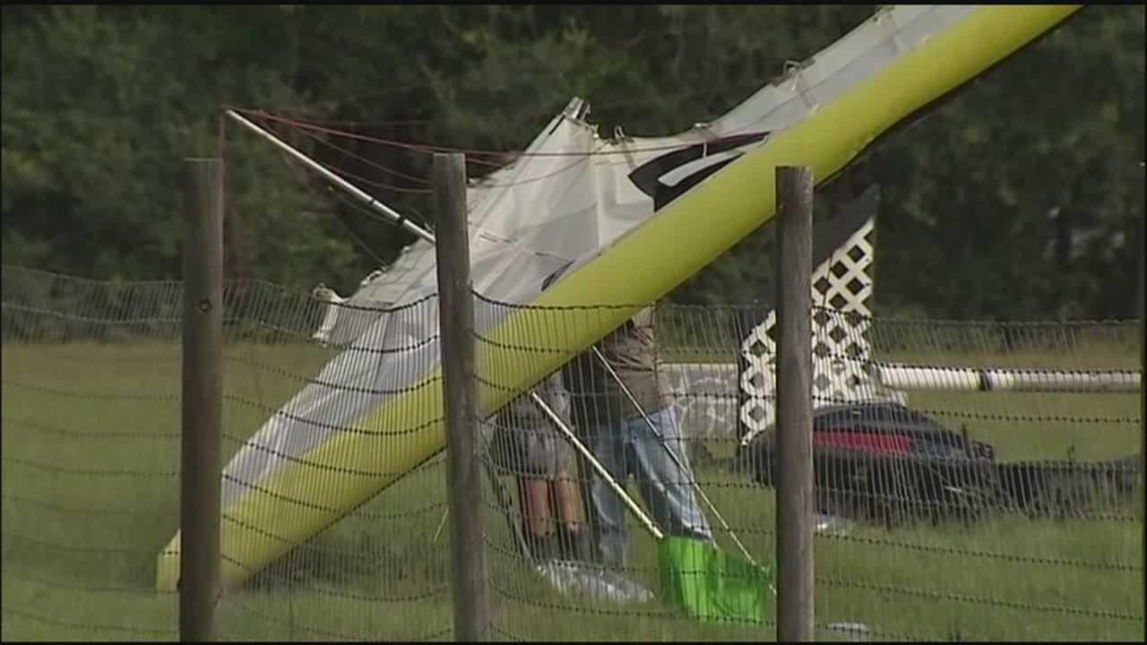 Motorized hang glider crashes near Eustis airport