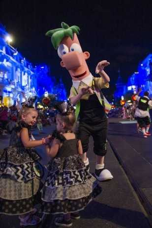 Guests can join Phineas and Ferb in a dance before the parade begins.
