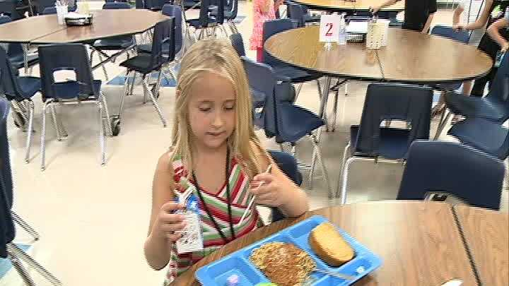 A school custodian goes above and beyond to teach a little girl a lesson about not giving up.