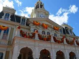 Looking for fun things to do this fall at Walt Disney World? The Happiest Place on Earth offers ten reasons why the fall is a great time to visit.
