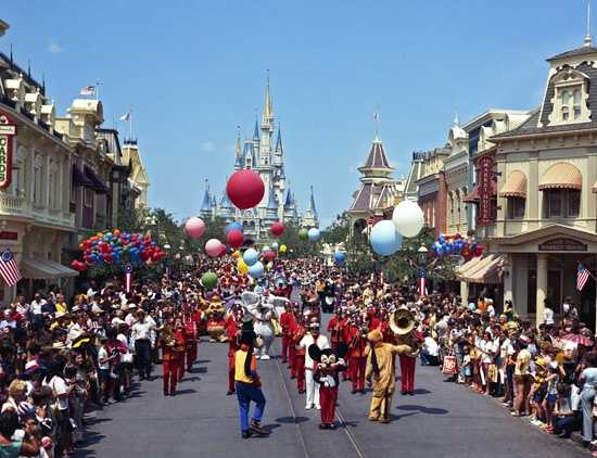 """The """"Cavalcade of Characters"""" parade began in 1974. Mickey also led this parade, followed by characters including Tweedle Dee and Tweedle Dum, and Walrus from """"Alice In Wonderland,"""" Donald Duck, Goofy and Pluto, the Dwarfs from """"Snow White and the Seven Dwarfs,"""" Snow White and Robin Hood characters."""