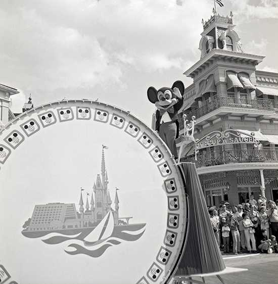 """Magic Kingdom opened with a grand celebration parade in 1971. A small marching band led the way with Mickey Mouse. Characters including Dumbo (""""Dumbo"""")&#x3B; Queen of Hearts and White Rabbit (""""Alice In Wonderland"""")&#x3B; Thumper and Flower (""""Bambi"""")&#x3B; Gepetto and Honest John (""""Pinocchio"""")&#x3B; Snow White, the Seven Dwarfs and the Queen (""""Snow White and the Seven Dwarfs"""")&#x3B; the Aristocats (""""Aristocats"""")&#x3B; and Winnie the Pooh, Heffalumps and friends (""""Winnie the Pooh"""" featurettes) followed."""