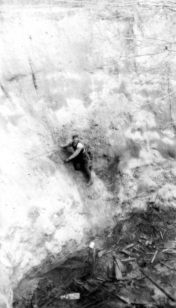 A man inside the sinkhole on Steve Bird's farm near Jasper, Fla., Hamilton County in 1936.