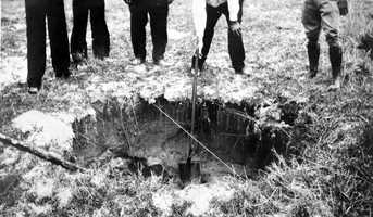 Sinkhole number 10 in the Cosme-Odessa area in 1930.