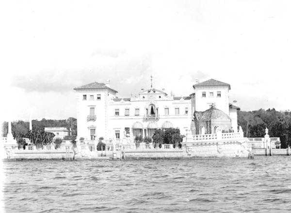 The Vizcaya mansion was first inhabited by James Deering and his family Christmas day in 1916.