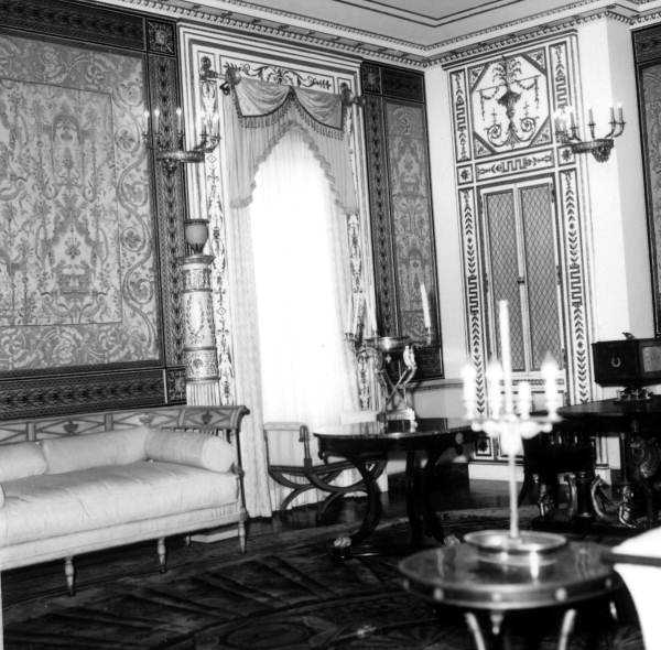 The interior of one of the rooms in the mansion.