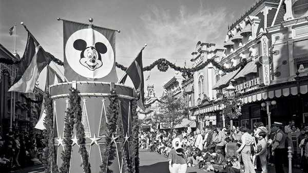 Also, here is the Mickey Mouse Club flag on top of one of the parade floats.  Poor Donald on the lower right wishes it was his club.