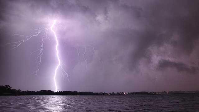 Lightning strike.jpg