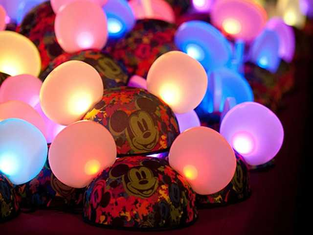 "4. Wear ""Glow With the Show"" EarsPurchase them at Magic Kingdom or use hats you purchased at other parks."