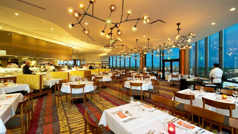 Cali-Grill-Dining-Room.jpg