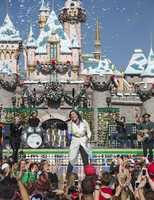Demi Lovato sings