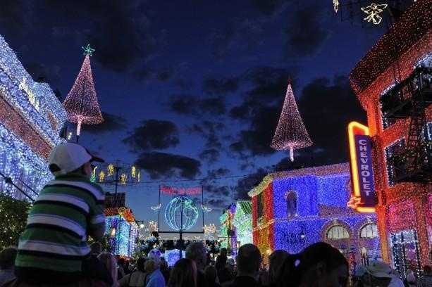 Disney World provided an abundance of excitement in 2013 but this year, it only seems to get better. Click through to see the list of 14 reasons the Disney Parks Blog says you should visit the Disney theme parks in 2014.