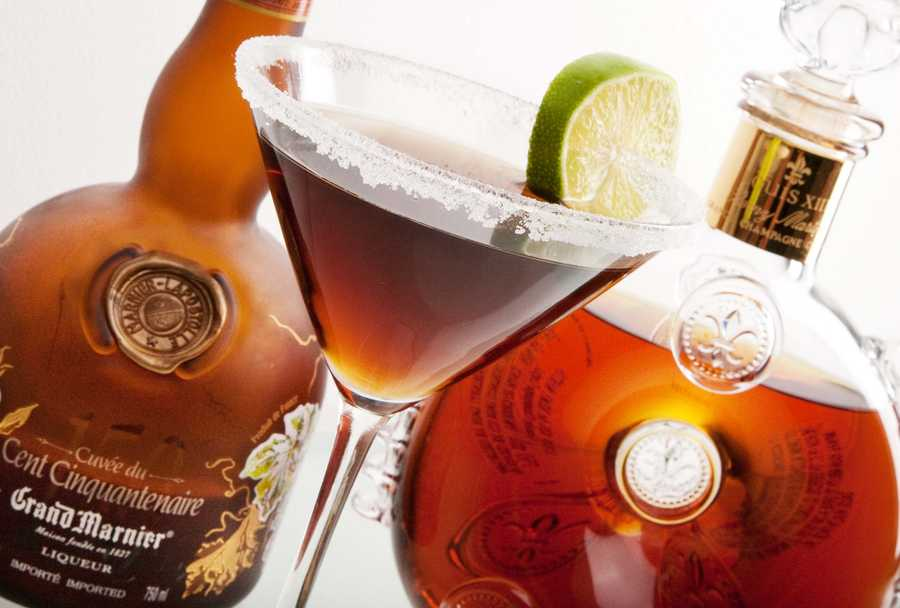 4. Head over to ONE80 Grey Goose Lounge to try their ONE80 SIDE Car. What's in it: Remy Martin Louis XIII and Grand Marnier 150-year liqueur with a splash of freshly squeezed lime juice.