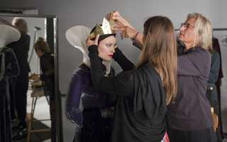 Olivia Wilde as the Evil QueenGo behind the scenes of the Disney Dream Portraits and enter the imagination of acclaimed photographer Annie Leibovitz as she transforms celebrities into Disney characters.