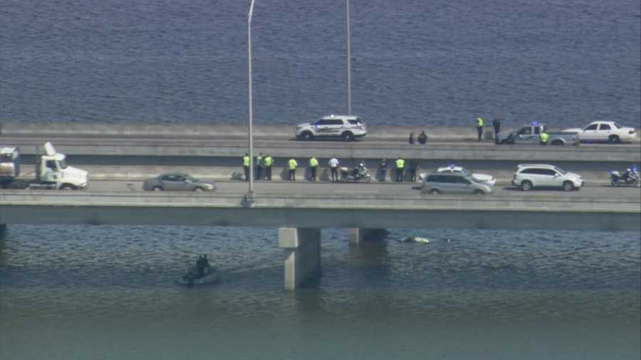 Authorities in Seminole County searched for one person in Lake Jesup after a boating accident near the State Road 417 bridge on Thursday.
