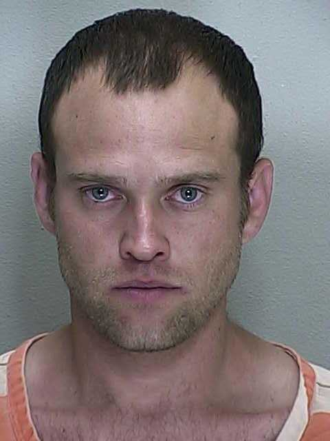 Dustin Lynn: Purchase of crack cocaine, possession of crack cocaine, possession of paraphernalia