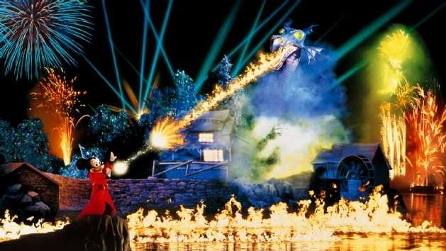3. Fantasmic: A fireworks and water extravaganza featuring favorite Disney heroes, princesses and villains.Location: Sunset BoulevardDuration: 30 minutes