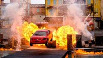 6. Lights, Motors, Action Extreme Stunt Show: Film professionals perform high-octane stunts while revealing special effects secrets.Location: Streets of AmericaDuration: 40 minutes