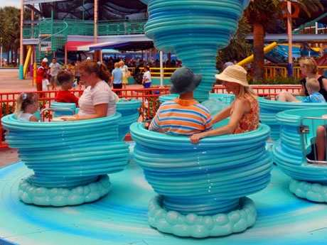 2. Swishy Fishies: A mild teacup ride that spins around a giant waterspout