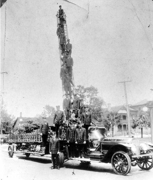 1927: Pensacola
