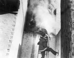 1953: Warehouse fire in Lakeland