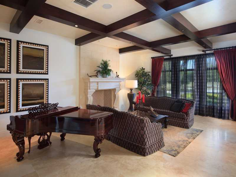 Structured wooden beam ceilings.