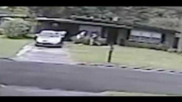 Burglars were caught on camera stealing from a home in the Conway-area of Orlando.