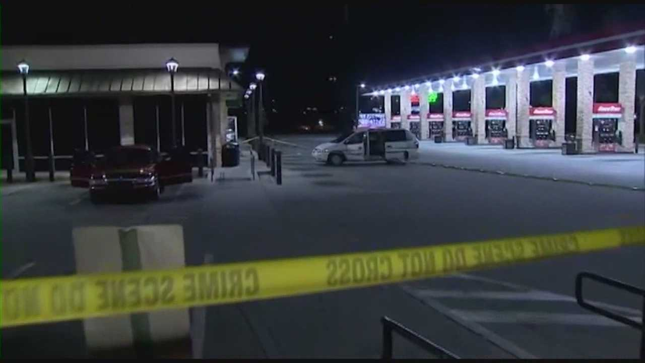 Deputies searching for man who shot two people at Orlando gas station